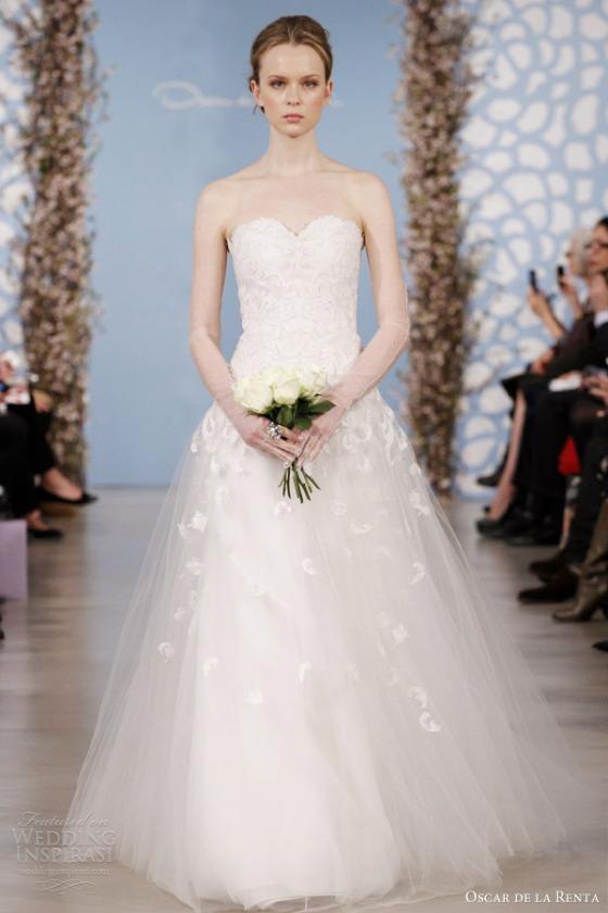oscar-de-la-renta-bridal-2014-spring-tulle-sweetheart-wedding-dress